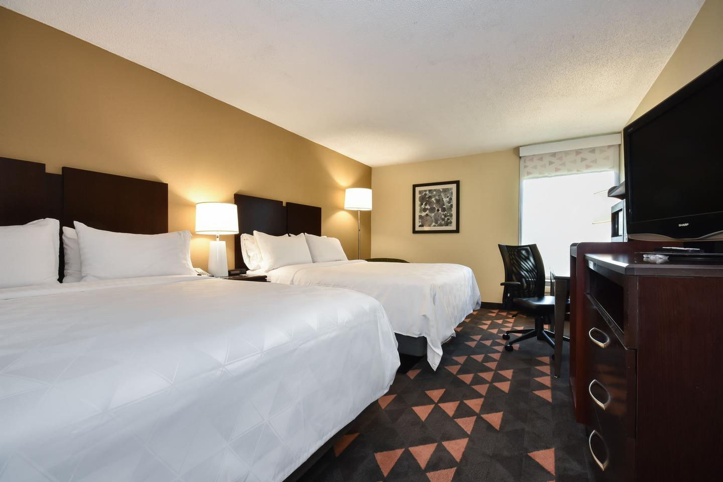 Family Friendly Rooms With 2 Double Beds. 5 of 9