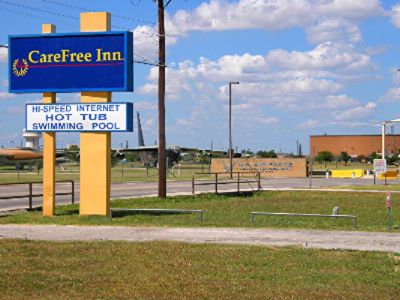 Motel Sign And Visitor Center 6 of 30