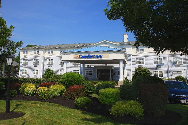 Comfort Inn Plymouth 1 of 21