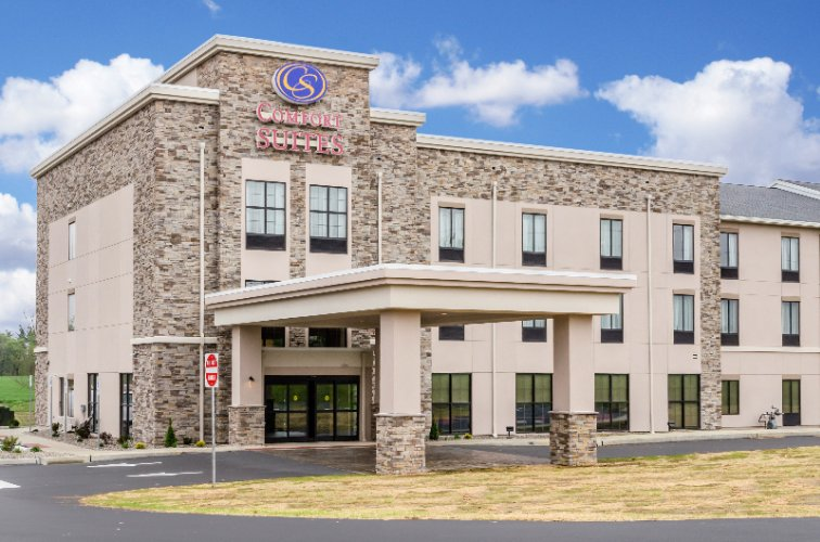 Comfort Suites Manheim Lancaster 1 of 7