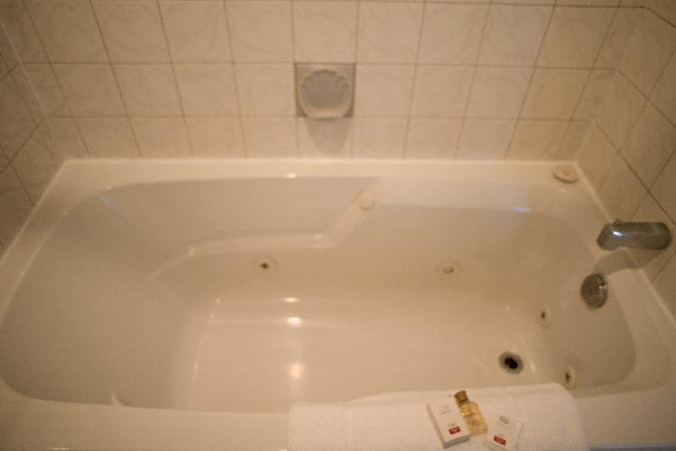 Room 111-114-115-116 (Jacuzzi Tub) 18 of 26