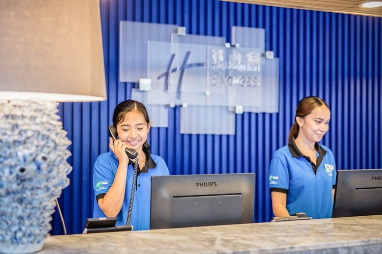 Front Desk 15 of 27