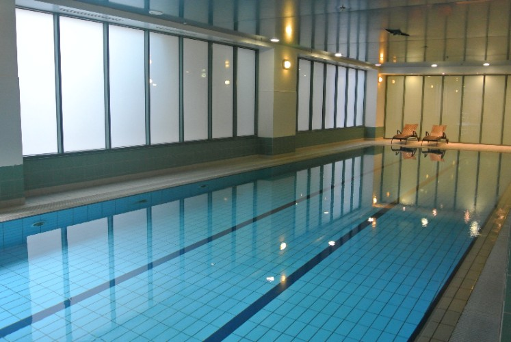 Indoor Swimming Pool 5 of 7