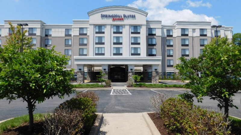 Springhill Suites Pittsburgh Mills 1 of 13