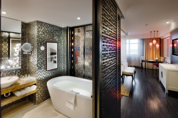Lavish Bathroom -Sotaro Wing 14 of 38