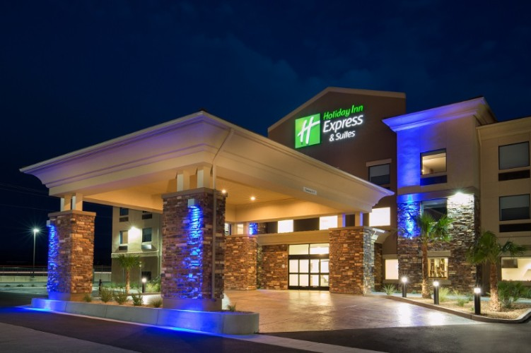Holiday Inn Express & Suites Pahrump 1 of 8