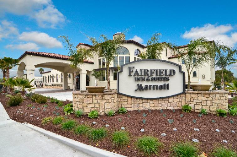 Fairfield Inn & Suites Santa Cruz Capitola 1 of 5