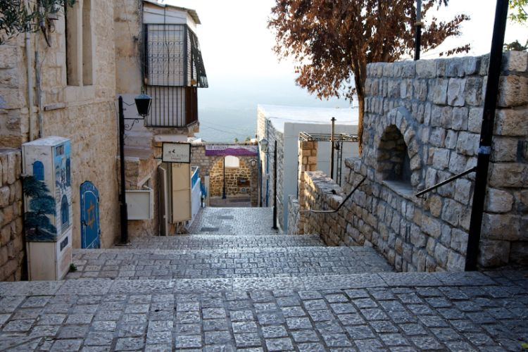 Explore The Jewish Quarter In Old City Safed. 12 of 31
