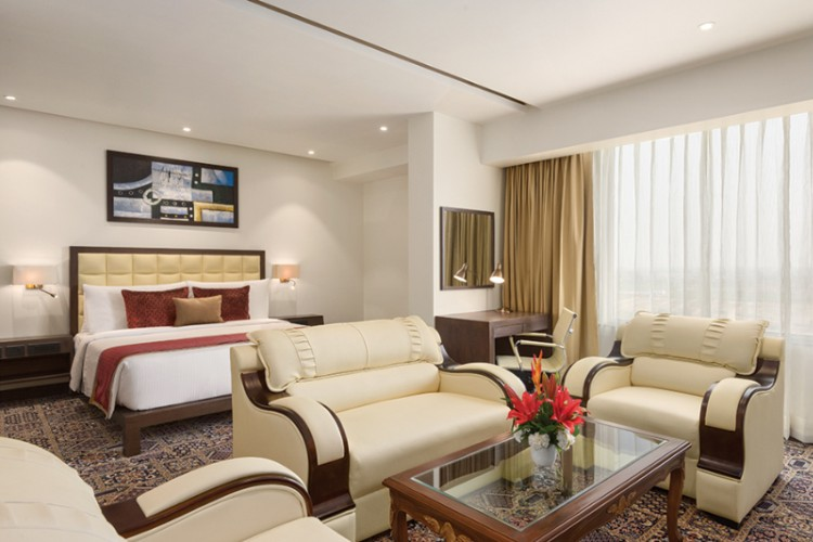 Executive Room At Ramada Plaza Agra 5 of 11
