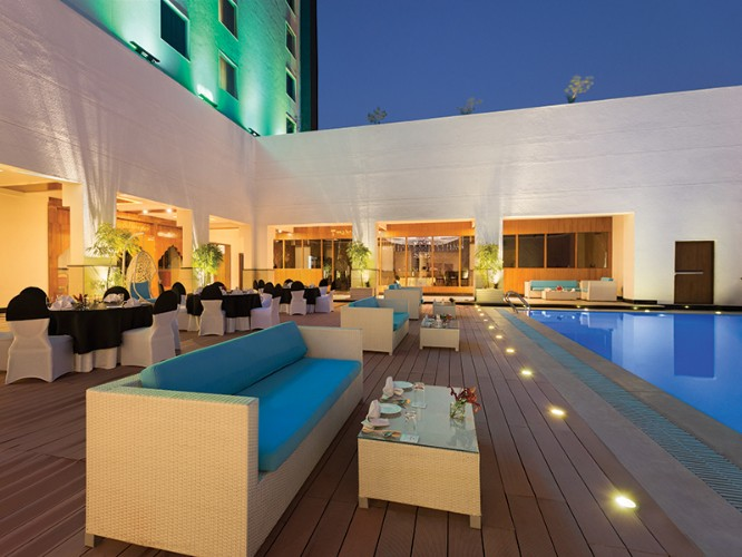Enjoy Your Evening At Our Deck With The Colour Changing Pool 7 of 11