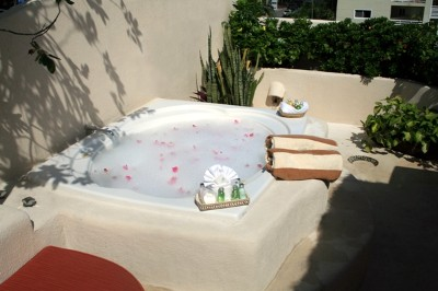 Private Jacuzzi 8 of 10