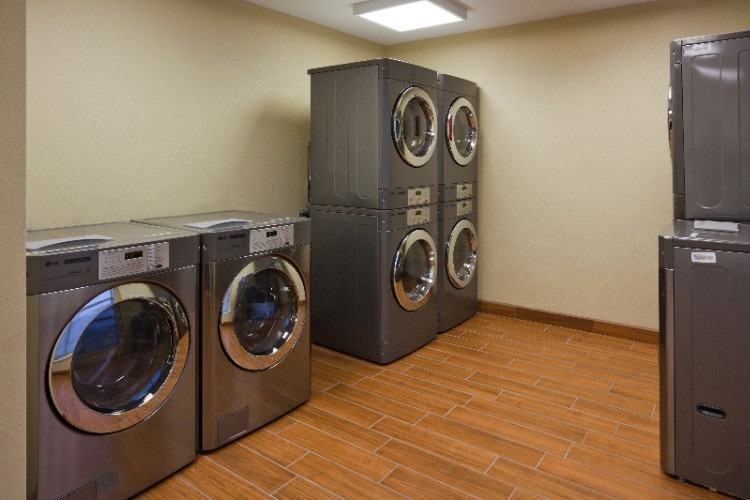 On-Site Laundry Facilities 10 of 16