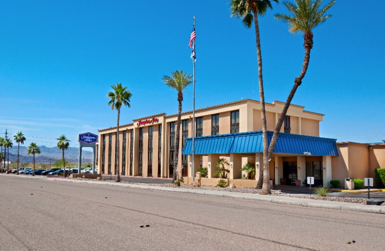 Hampton Inn Lake Havasu 1 of 8