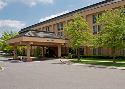Welcome To The Hampton Inn Ann Arbor North Hotel Featuring 129 Comfortable Guest Rooms Free Wifi And Hot Breakfast Every Morning. 2 of 3