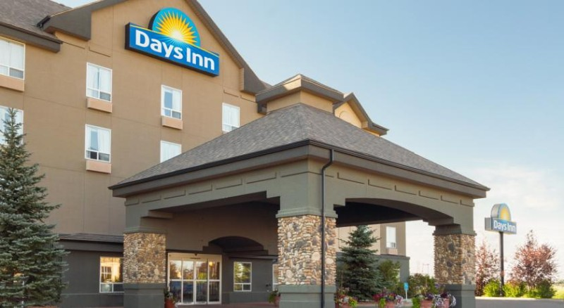Days Inn Medicine Hat 1 of 16