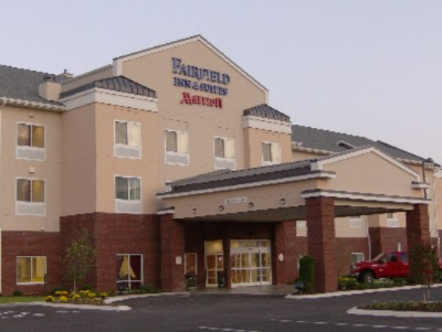 Fairfield Inn & Suites by Marriott 1 of 11