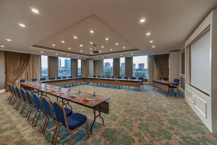 Izmir Meeting Room 7 of 16