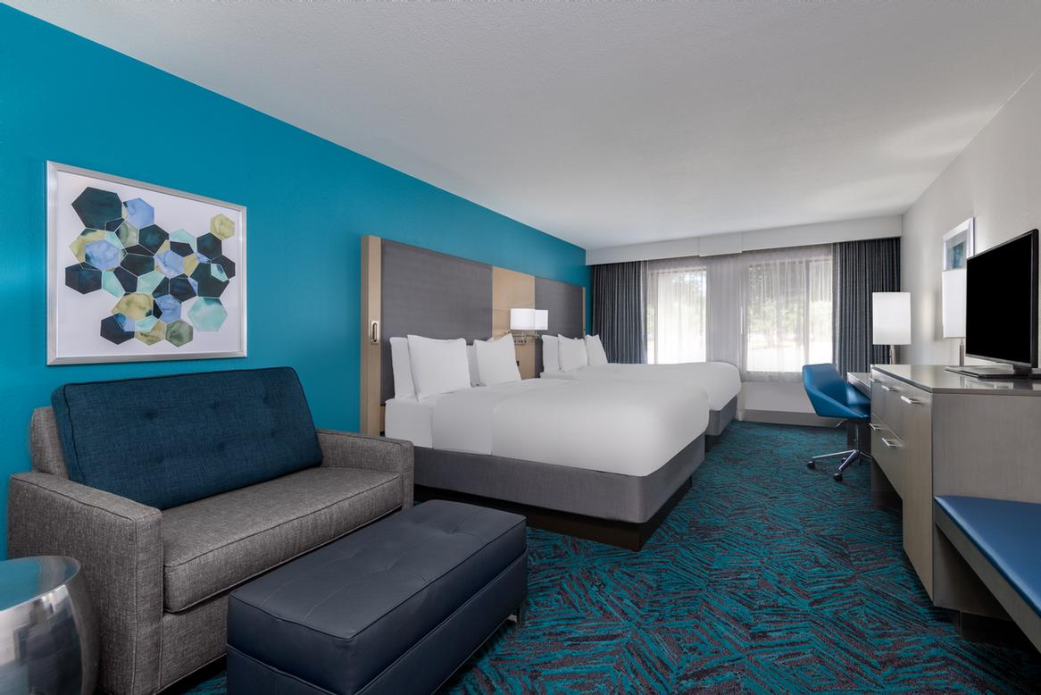 Large Indoor Heated Swimming Pool 3 of 10