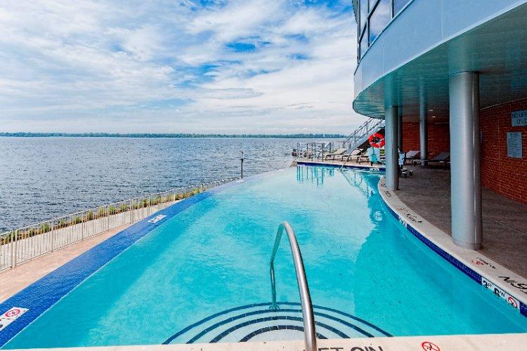 COURTYARD ERIE BAYFRONT - Erie PA 2 Sassafras Pier 16507