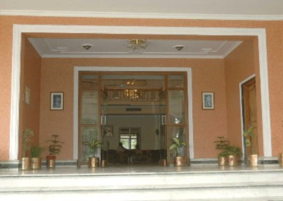 Entrance Of Lobby 6 of 9