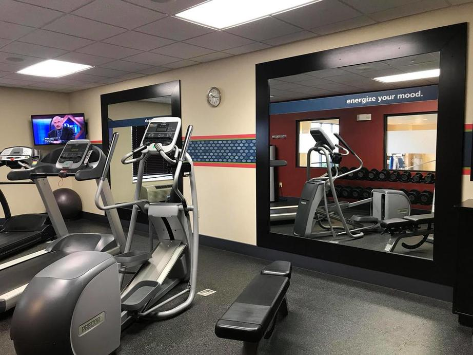 Hotel Fitness Center 5 of 14
