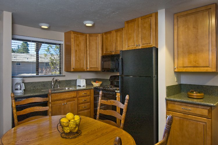 Condo Full Kitchen 14 of 19