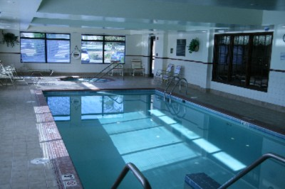 Indoor Heated Pool And Jacuzzi 6 of 9