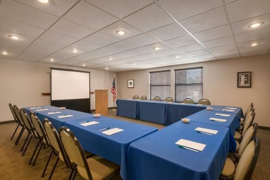 Camelback Meeting Room 9 of 14