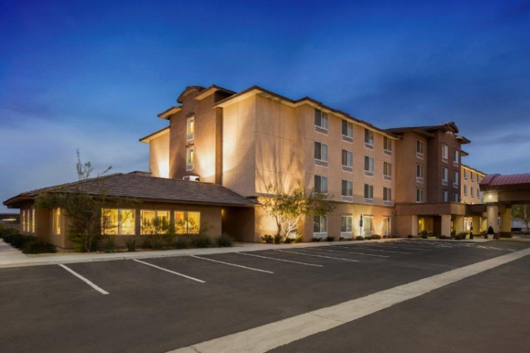 Ayres Hotel Barstow 1 of 10
