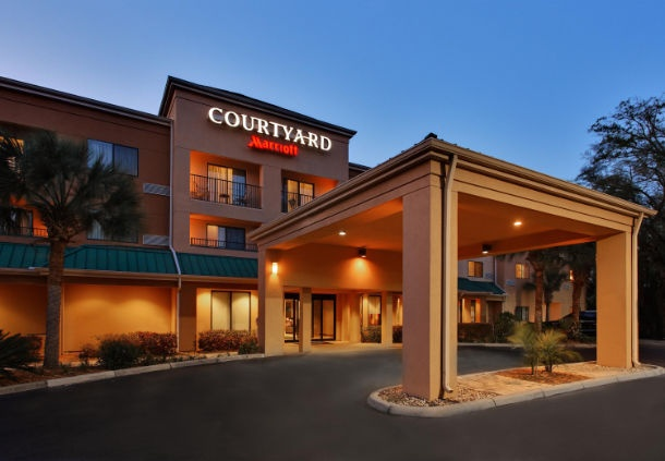 Courtyard by Marriott 1 of 21