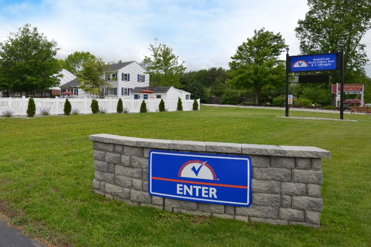 Americas Best Value Inn & Cottages 1 of 12