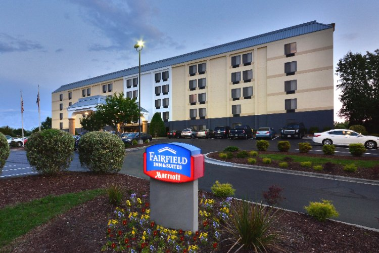 Fairfield Inn by Marriott Greensboro Airport 1 of 19