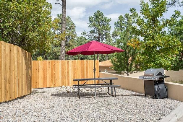 Onsite Bbq Grill Area 25 of 38