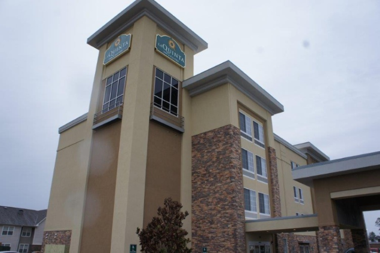 La Quinta Inn & Suites 1 of 10