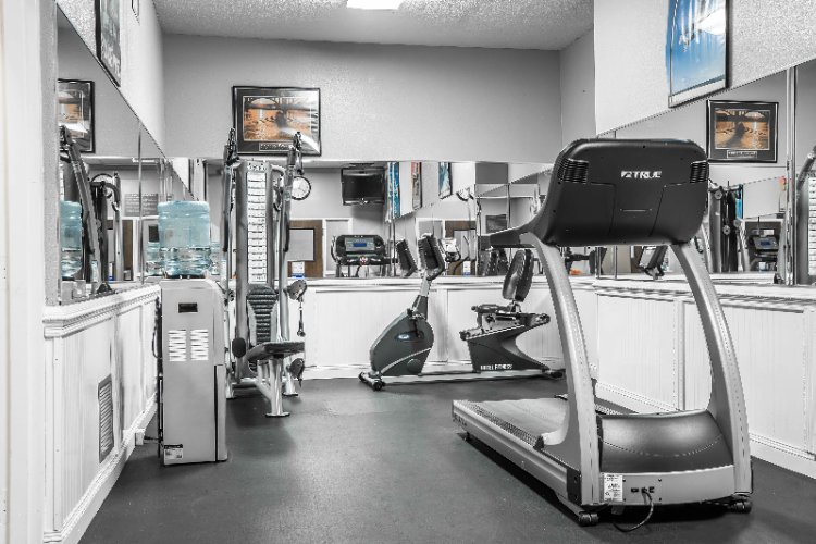 Exercise Room 14 of 19