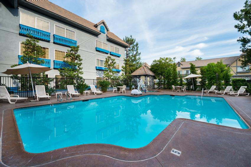 Ayres Hotel & Suites Ontario Convention Center -Pool Area 12 of 15