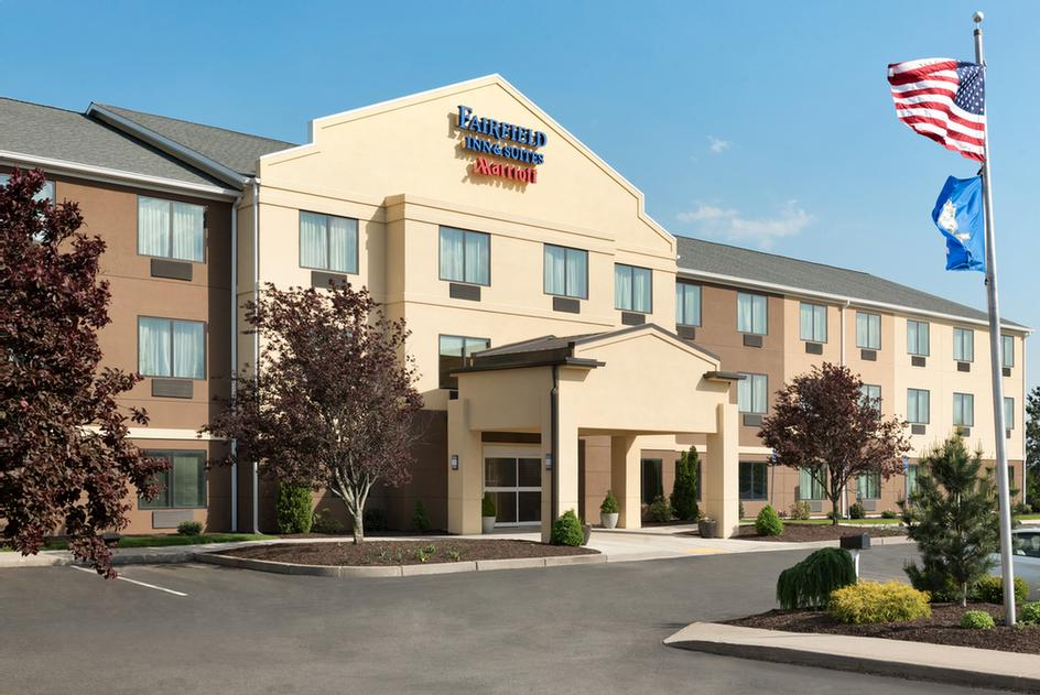 Fairfield Inn & Suites by Marriott Hartford Manchester 1 of 11