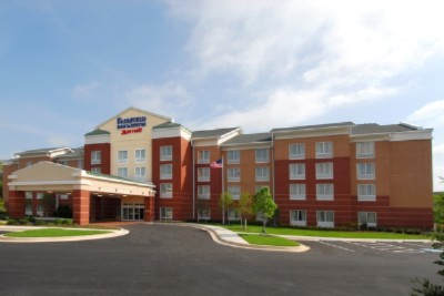 Fairfield Inn & Suites Baltimore White Marsh 1 of 10
