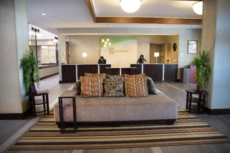 Lobby -Front Desk 11 of 22
