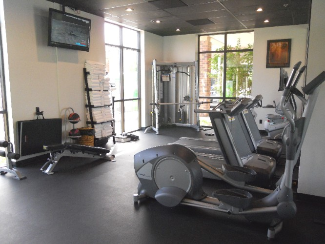 Fitness Center 19 of 22