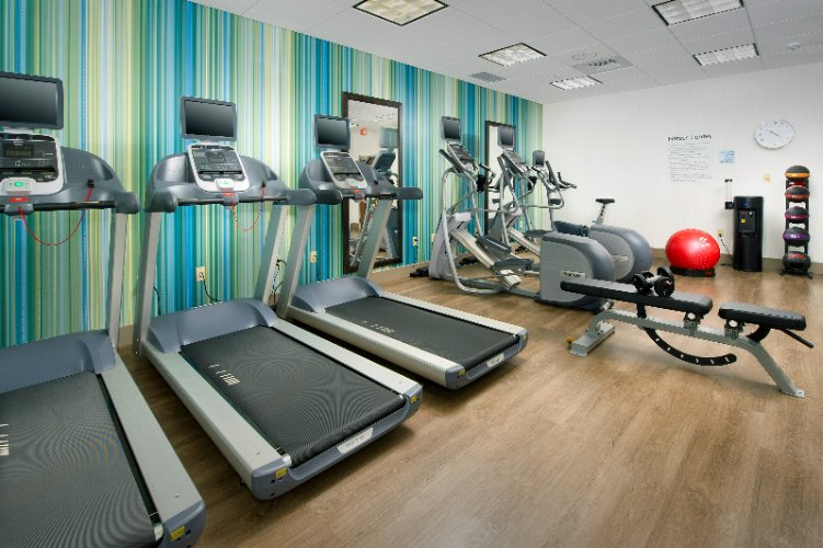Fitness Room 3 of 12
