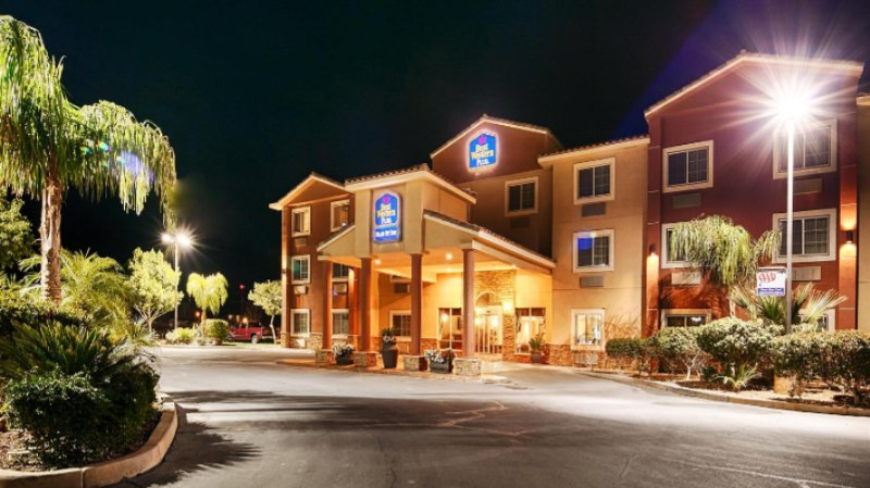 Best Western Plus Main Street Inn 1 of 8