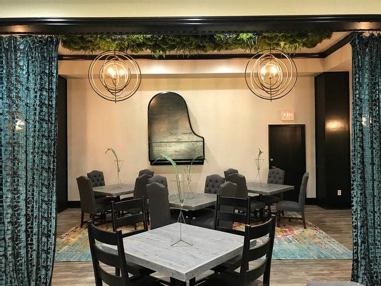 Chef\'s Private Dining Room 8 of 11