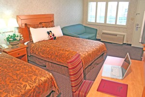 Standard Room With Two Queen Beds And A Sofa-sleeper 3 of 7