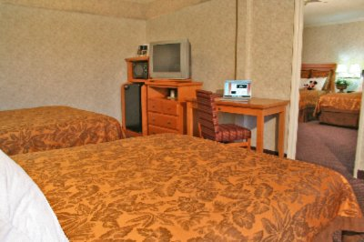 Two Bedroom Family Suite With Four Beds 4 of 7