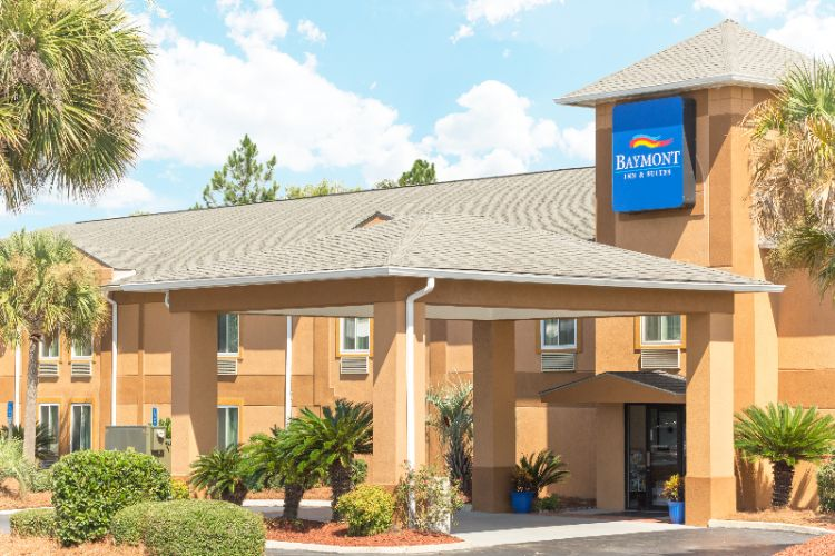 Baymont Inn & Suites Cordele 1 of 10