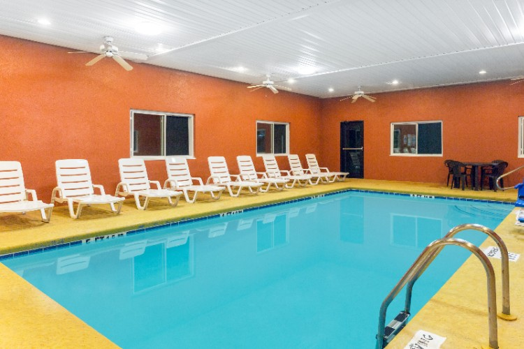 Indoor Swimming Pool 10 of 10