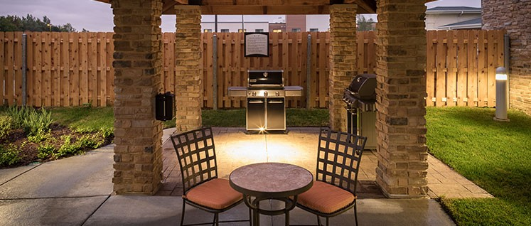 Grill Area 22 of 24