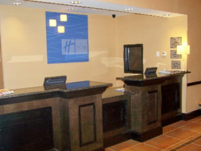 Front Desk 3 of 11