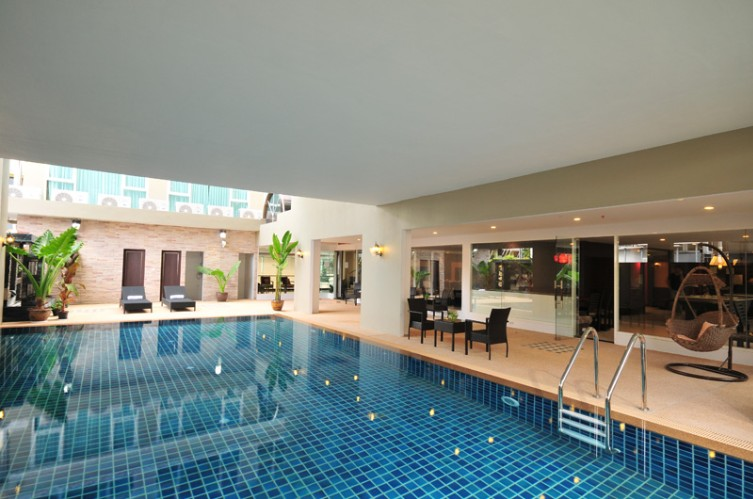 Indoor Swimming Pool 5 of 16